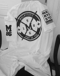 T-Shirt Long Oversized MALRYSSYO86! T-Shirt Long Oversized white costa.  #estilo #moda #modamasculina  #diferente #atitude #rua #sampa #arte #malryssyo86 #repost #like4like #streetwear #swag #tshirt #modelo #nigga  #blackpyramid #tshirtoversize #oversized