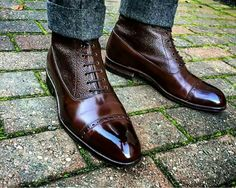 Check the boots.. Love the detail and contrasting textures