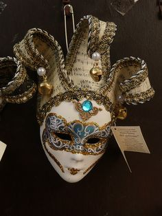 Venetian Mask very similar to the one I brought home from Venice❤ Venetian Carnival Masks, Mardi Gras Carnival, Carnival Of Venice, Venetian Masquerade, Masquerade Ball, Mardi Gras Masks, Costume Venitien, Venice Mask, Beautiful Mask