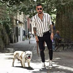 Casual look with his dog Luci(fer). Trendy Mens Fashion, Stylish Mens Outfits, Mens Autumn Fashion, Mens Fashion Trends 2019, Men Summer Fashion, Mens Fashion Blog, Formal Men Outfit, La Mode Masculine, Summer Outfits Men