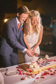 This popular wedding destination offers mouth-watering food and the most romantic backdrop you've ever seen. Wedding Cake Prices, Wedding Costs, Destination Wedding, Wedding Things, Italian Wedding Cakes, Instead Of Flowers, Wedding Sweets, Let's Get Married, Fancy Cakes