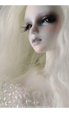 BJD - Glass Sea Mermaid; White Tara