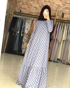 Abaya Fashion, Modest Fashion, Fashion Dresses, Iranian Women Fashion, African Fashion, Plus Size Maxi Dresses, Casual Dresses, Moslem Fashion, Mode Abaya