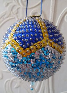 New Leaf Crafts: 'One Mans Junk' Sequin Christmas Ornament