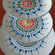 Dip & Dot: etagère pattern Dot Art Painting, Mandala Painting, Pottery Painting, Ceramic Painting, Stone Painting, Butterfly Mandala, Mandala Dots, Mandala Design, Painted Mugs