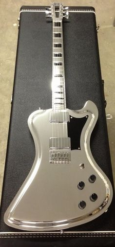 Very cool silver Electric #guitar http://ozmusicreviews.com/music-promotions-and-discounts