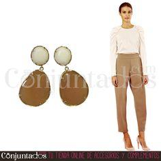 Pendientes Zoe en blanco y caramelo ★ 13'95 € en https://www.conjuntados.com/es/pendientes-de-fiesta-zoe-en-blanco-y-caramelo.html ★ #novedades #pendientes #earrings #conjuntados #conjuntada #joyitas #lowcost #jewelry #bisutería #bijoux #accesorios #complementos #moda #eventos #bodas #invitadaperfecta #perfectguest #party #fashion #fashionadicct #fashionblogger #blogger #picoftheday #outfit #estilo #style #streetstyle #GustosParaTodas #ParaTodosLosGustos