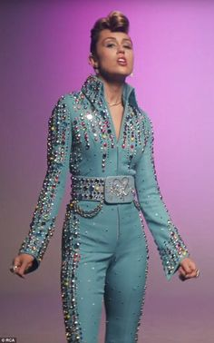 Elvis Presley inspired: Miley Cyrus showed off the fruits of her music-making labour as she released the glittering rockabilly inspired music video for Younger Now Look Fashion, High Fashion, Lolita Fashion, Fashion Boots, Miley Cyrus Show, Elvis Costume, Cowgirl Costume, Celebrity Photos, What To Wear