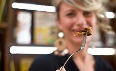 """Muscolo di grano: la """"carne"""" vegan inventata in Calabria sta conquistando l'Italia"""