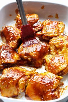 Baked Teriyaki Chicken – An easy chicken dinner baked in the oven with a sticky homemade teriyaki sauce. Chicken Thights Recipes, Chicken Wing Recipes, Recipe Chicken, Baked Teriyaki Chicken, Homemade Teriyaki Sauce, Honey Recipes, Raw Food Recipes, Dinner Recipes, Freezer Recipes