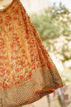 Sabyasachi (Looks like? Indian Bridal Lehenga, Red Lehenga, Indian Bridal Outfits, Indian Bridal Fashion, Indian Designer Outfits, Indian Dresses, Bridal Dresses, Anarkali, Shaadi Lehenga