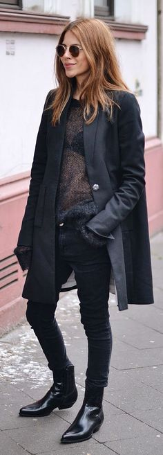 All In Black Streetstyle by MAJA WYH