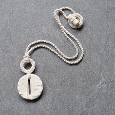 Collana ciondolo Aliquid / Collana bianca con ciondolo in ceramica /  pezzo unico