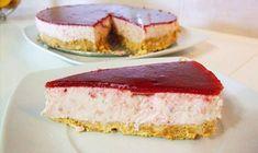 Cheesecake de morango com cobertura de framboesa