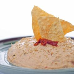 So that in your meetings you have what to offer your guests, this chipotle tuna dip recipe will delight you! Tuna Dip, Appetizer Recipes, Snack Recipes, Mousse, Fingers Food, Best Mexican Recipes, Pepper, Deli Food, Tasty Videos