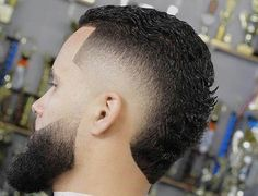 Short Faux Hawk High Fade with Beard - Fohawk Haircuts Mohawk Hairstyles Men, Cool Hairstyles For Men, Haircuts For Men, Braided Hairstyles, Fohawk Haircut Fade, Haircuts Straight Hair, Haircut Men, Haircut Styles, Skin Fade With Beard