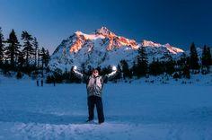 Playing with my Phottix Odin remotes and Nikon SB910 speedlights while waiting for the light Mount Shuksan to become more red during Friday afternoon Nov. 27, 2015, at the Mount Baker Ski Area in western Whatcom County, Wash. (© Paul Conrad/Paul Conrad Photography)