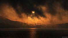 Grandioso spettacolo serale al lago di Campotosto (Aq). La natura non finisce mai di stupirci! Foto @Pino Giannini