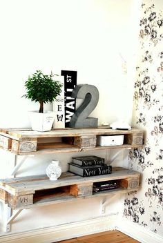 Fantastic diy shelves from half pallets wooden pallet furniture, diy outdoo Wooden Pallet Furniture, Wooden Pallets, Diy Furniture, Pallet Wood, Buy Pallets, Pallet Seating, Pallet Benches, Pallet Tables, Furniture Projects