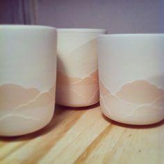 Petits gobelets Nimbus en porcelaine, émaillage de la partie supérieure. #Ceramique #Ceramic #Keramik #Clay #Pottery #Porcelain #Nimbus #WheelTrownCeramics