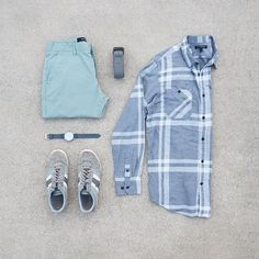 Digging the grey stripes of this flannel, paired with my favorite sneakers. #mycreativelook ––––––––––––––––––––––– Flannel: @bananarepublic Pants: @marcanthony Shoes: @diesel Watch: @fossil Belt: @americaneagle ––––––––––––––––––––––– #streetstyle #getdapper #fashiongrid #wiwt #denim #flatlay #votrends #sharpgrids #suitgrid #shopthatgrid #wdywtgrid #outfitgrid #outfitgrids #oklahomacity