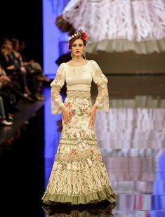 SIMOF 2018: el desfile de Atelier Rima, en fotos. La colección «Rapsodia» de la diseñadora lituana se inspira en el folclore de varias culturas Flamenco Costume, Star Wars Outfits, Sharara, Beautiful Dresses, Costumes, Clothes For Women, Inspiration, Fashion, Templates