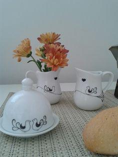 Mini vasinhos. Mantegueira. Porcelanas.  Passarinhos.