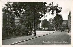 1953. View on the Van Oldebarneveldtplein in Amsterdam. On the right the Frederik Hendrik elementary school. In the background the Frederik Hendrikstraat. Photo Boekhandel K.A. Mester. #amsterdam #1953 #VanOldebarneveldtplein