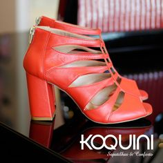 A dama de vermelho #koquini #sapatilhas #euquero #gladiadora #conforto Compre Online: http://koqu.in/1hfImoc