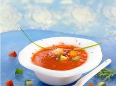 Découvrez la recette Gaspacho tomate concombre sur cuisineactuelle.fr.