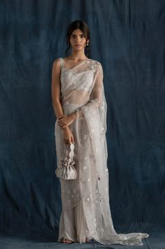Organza Saree, Silk Organza, Bridal Outfits, Bridal Dresses, Grey Saree, Indian Designer Suits, Saree Trends, Saree Look, Sheer Fabrics