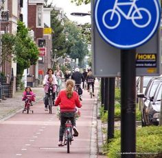 Cycle path in Assen, NL. Click image to tweet photo by David Hembrow and visit the slowottawa.ca boards >> http://www.pinterest.com/slowottawa/boards/