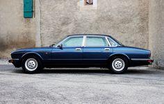 Classic Car News Pics And Videos From Around The World Jaguar Xj40, Jaguar Cars, Automobile, Jaguar Daimler, Car In The World, Car Photos, Custom Cars, Bugatti, Cars And Motorcycles