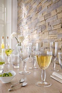 Savurează un Merlot aromat în paharele de vin roșu!#pahar vin#pahar vin rosu#pahare Table Settings, Cottage, Tableware, Vases, Crystals, Home, Style, Wine, Dinnerware