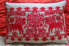 """Hungarian Embroidery Képtalálat a következőre: """"volga fonal"""" - Hungarian Embroidery, Folk Embroidery, Embroidery Patterns, Vintage Jewelry Crafts, Color Shapes, Chain Stitch, Textile Patterns, Ethnic Clothes, Blog Designs"""
