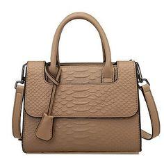Trendy damestas met handvat/ schouderband amandel kleur