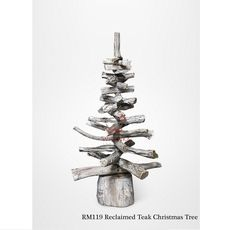 This stunning Large Reclaimed Teak Christmas Tree festive Ornament is perfect for indoor or outdoor use. These tree's are a great way to bring christmas feel to your living space. The Large Reclaimed teak leaves are connected with pole in the middle which makes this natural wooden christmas tree sculputre really strong and durable. Finish with white wash add the winter feel in your home.