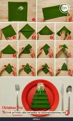 Dekoracje stołu wigilijnego - Krok po kroku złóż serwetkę na bożonarodzeniowy stół.