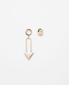 Image 1 of TRIANGULAR GEOMETRIC EARRINGS from Zara http://www.zara.com/us/en/woman/accessories/view-all/triangular-geometric-earrings-c733915p2777067.html
