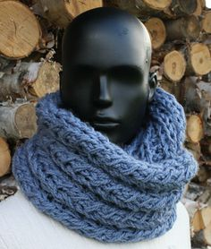 Knit your own infinity scarf with this free faux cable infinity scarf pattern. Learn to make your own infinity scarf to keep you warm and cozy this winter. Infinity Scarf Knitting Pattern, Arm Knitting, Knitting Patterns Free, Knit Patterns, Crochet Scarves, Knit Crochet, Crochet Winter, Shawl In A Ball, Diy Scarf