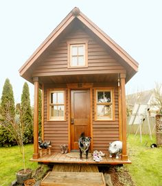 Tiny House Hotel, Modern Tiny House, Tiny House Design, Small House Plans, Shipping Container Home Builders, Small Sheds, Tiny House Movement, Design Case, Building A House
