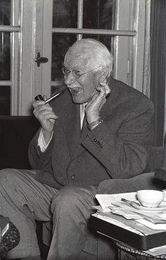 Carl G Jung, Gustav Jung, Philosophy, Psychology, Interview, Wisdom, Scientists, Authors, Kite