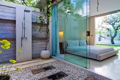 Romantic outdoor shower at CHANDRA BALI VILLA - super trendy designer Villa in Seminyak/ Bali ~ beautiful places to visit in Indonesia. Outdoor Baths, Outdoor Bathrooms, Outdoor Showers, Outdoor Kitchens, Patio Interior, Interior And Exterior, Interior Ideas, Bali Villa, Balinese Villa