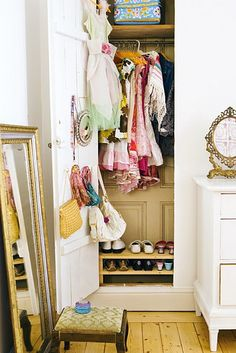 Cute wardrobe and I adore the mirror