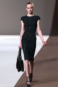 Elie Saab Fall 2010 Ready-to-Wear Collection Slideshow on Style.com