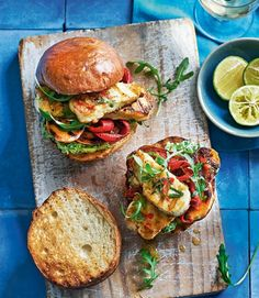 Slices of halloumi and sweet potato are marinated, grilled and placed in burger buns spread with a generous amount of smashed avocado. That's vegetari # Halloumi and sweet potato burgers with chilli, mint and mashed avocado recipe Avocado Recipes, Veggie Recipes, Vegetarian Recipes, Healthy Recipes, Vegetarian Barbecue, Barbecue Recipes, Grilling Recipes, Healthy Grilling, Vegetarian Cooking