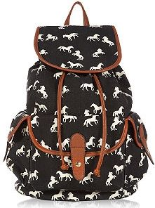 4c8cc094e13713 Bag your next style staple with New Look s range of women s handbags