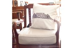 This black & white Table Mountain scatter cushion makes for a great South African souvenir. These homeware products are available online from Sugar and Vice. Cushions Online, Scatter Cushions, Accent Chairs, Table Mountain, Black And White, South Africa, Stuff To Buy, Sugar, Furniture