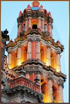 I would love to see this Catedral Metropolitana de San Luis Potosi (San Luis Rey) San Luis Potosi,México Architecture Antique, Beautiful Architecture, Beautiful Buildings, Art And Architecture, Beautiful Places, Places Around The World, Around The Worlds, Voyage Europe, Cathedral Church