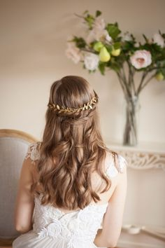 Delicate Long Laurel Leaf Comb Gold comb Gold por AnnaMarguerite